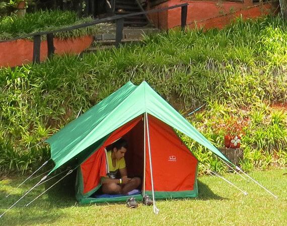 Vestuario e implementos recomendados para hacer Camping